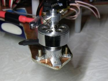 Крепление мотора к раме из стеклотекстолита