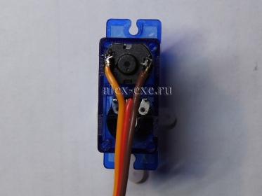Припаянные провода к мотору